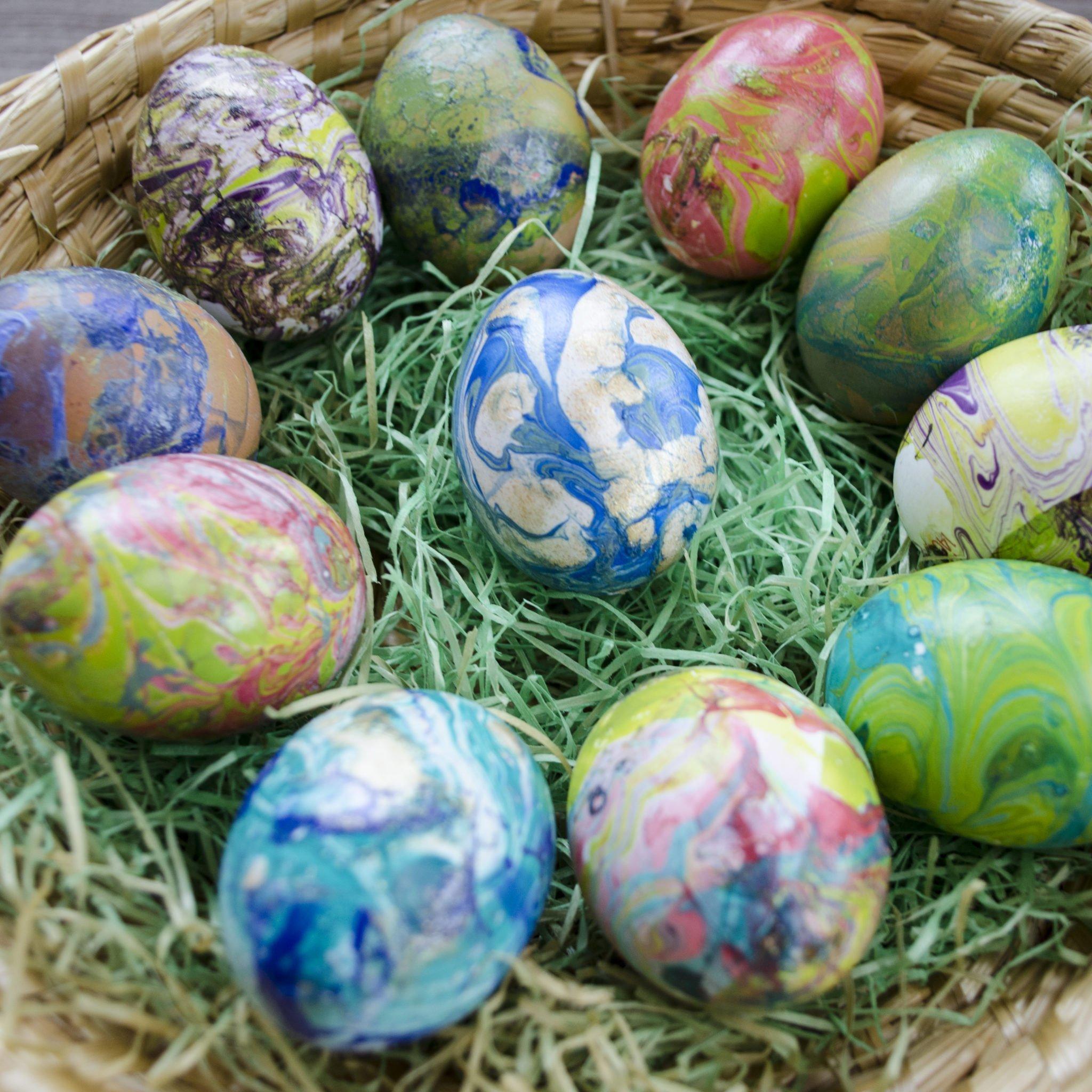 DIY Ostereier marmorieren- so sehen marmorierte Eier aus