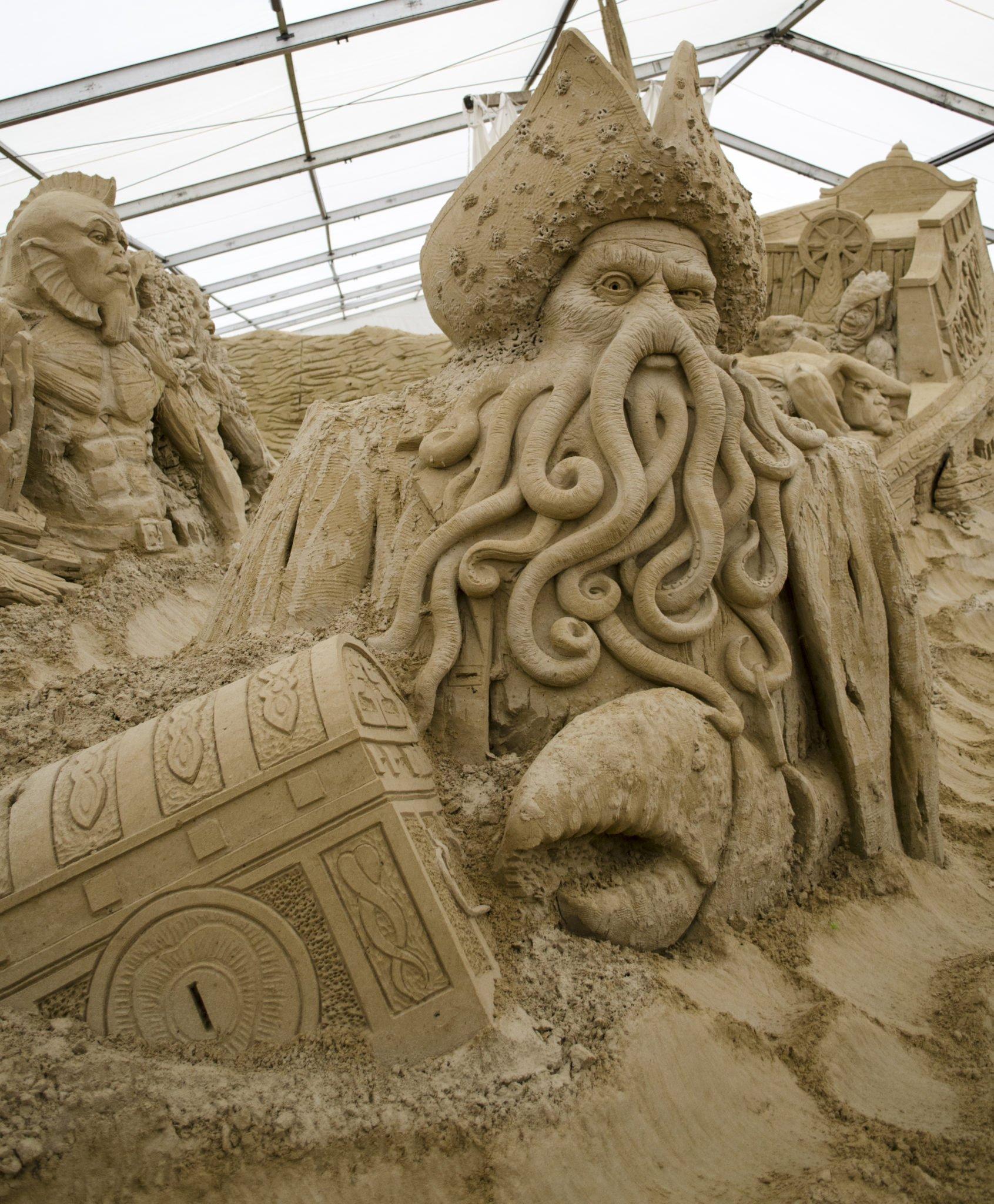 Fluch der Karibik Sandskulpturen